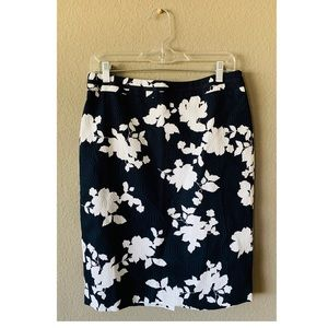 NEW Talbots Navy blue & white floral pencil skirt